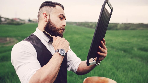 How to Untangle Your Beard with A Beard Comb