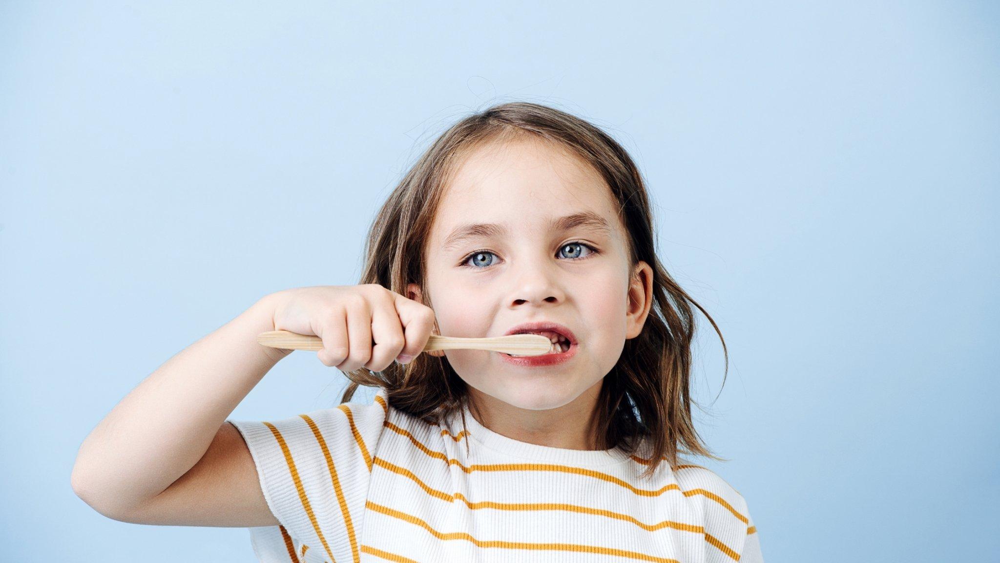 How to brush kids teeth - 5 Top Tips