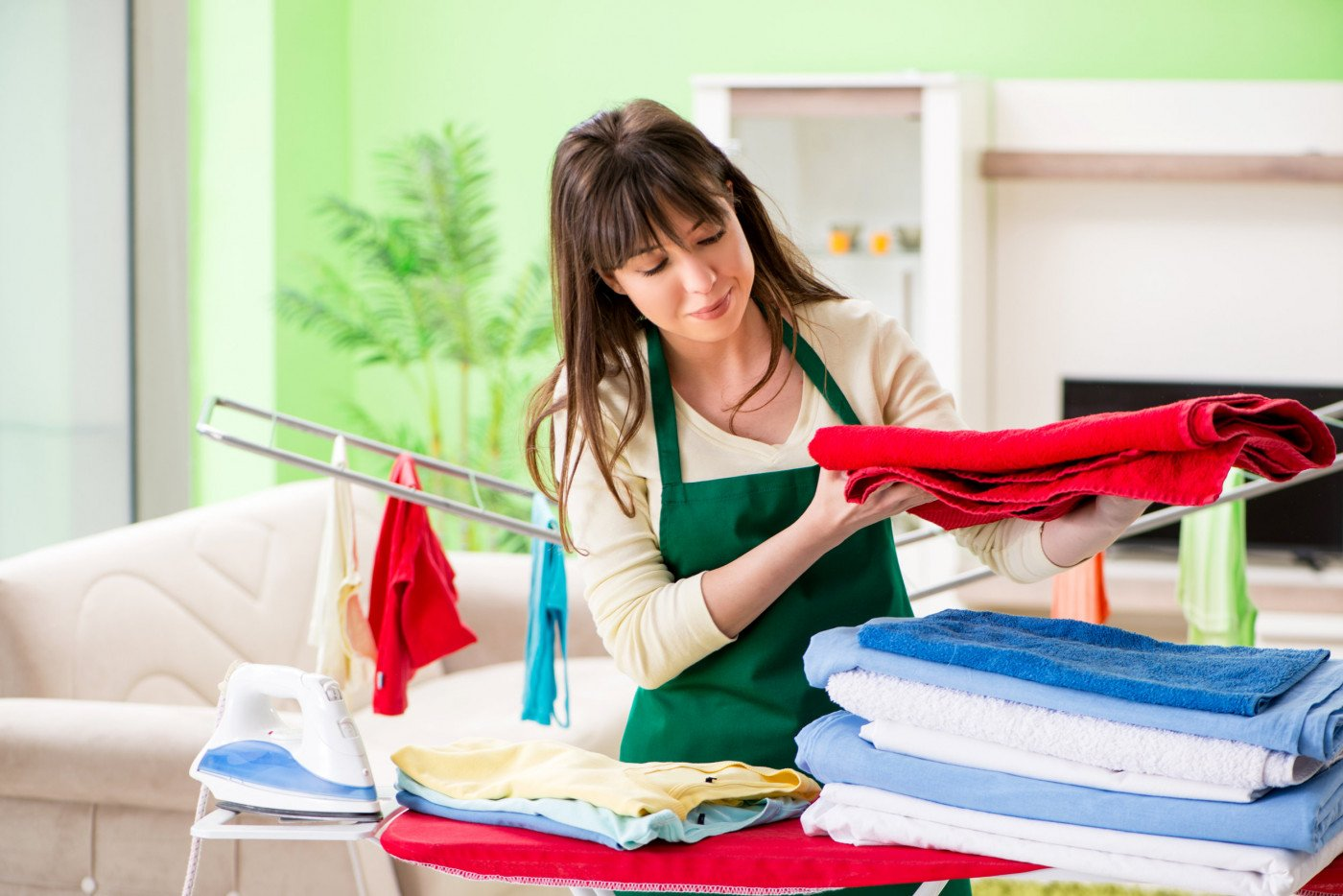 26 Tips to Make Ironing Easy and Fast: The Easy Ironing Guide